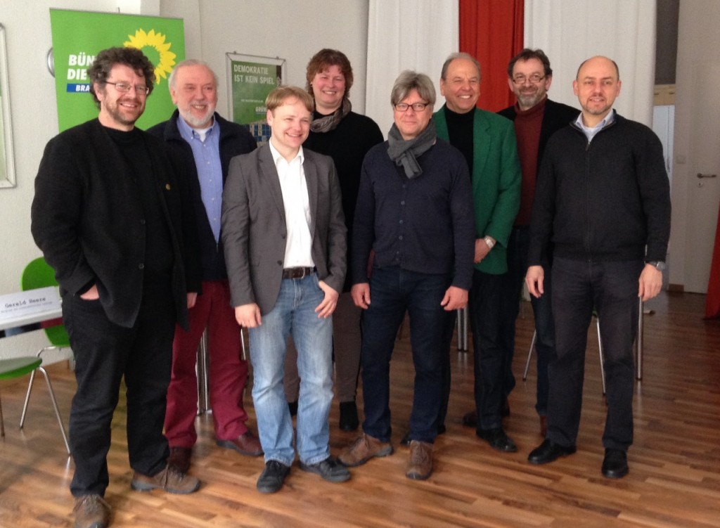 Grüne aus der Region (v.l.n.r.): Heiko Sachtleben, Harald Wintjen, Gerald Heere, Elke Kentner, Wolfram Pehlke, Hans-Günter Reeb, Pesi Daver & Reinhard Gerndt (es fehlt Sybille Mattfeld-Kloth)