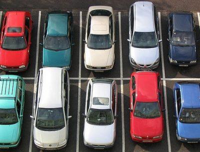 voller Parkplatz, Foto by Miala, Creative Commonce Lizenz CC BY-SA 2.0