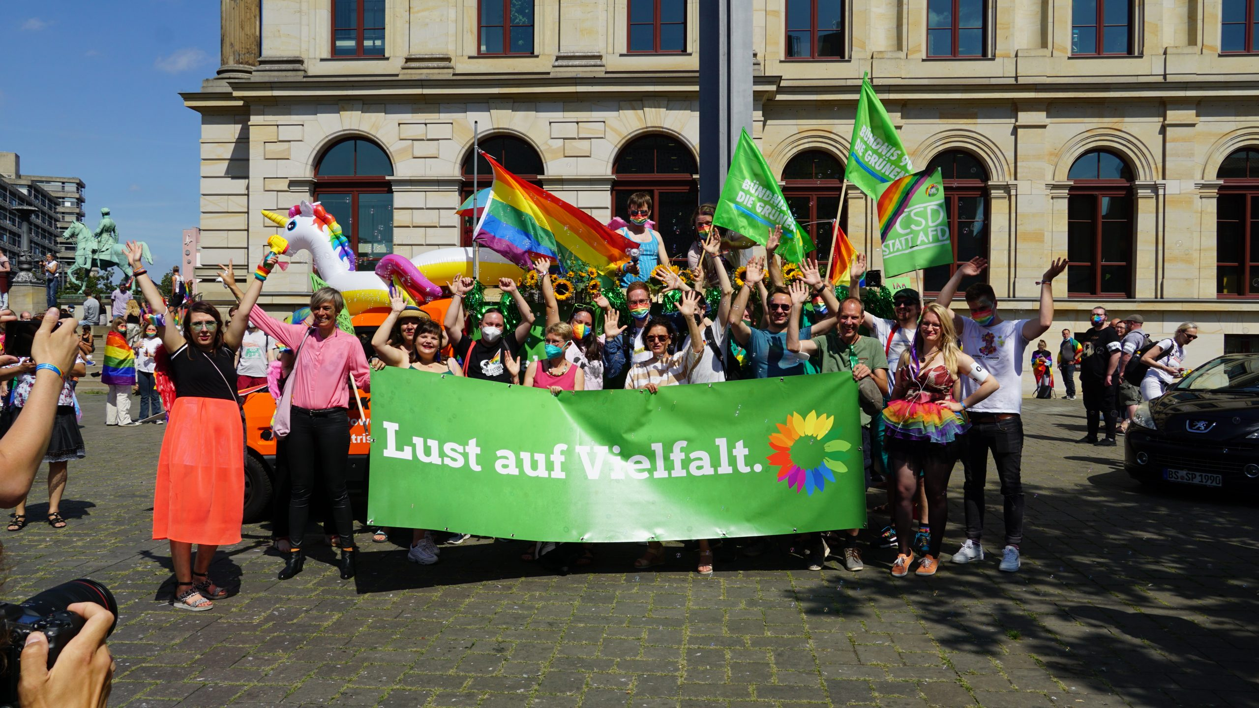 Queer. Proud. Grün. – CSD Parade in Braunschweig